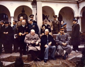 Stalin, Churchill e Roosvelt alla conferenza di Jalta